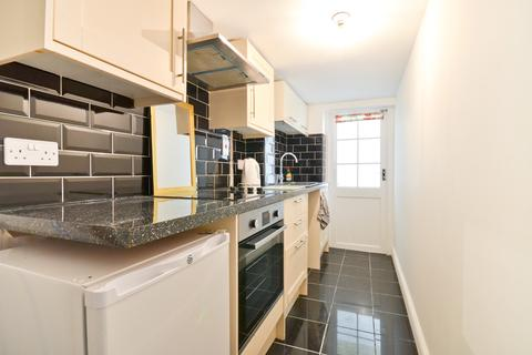 2 bedroom ground floor flat for sale - Shanklin, Isle of Wight