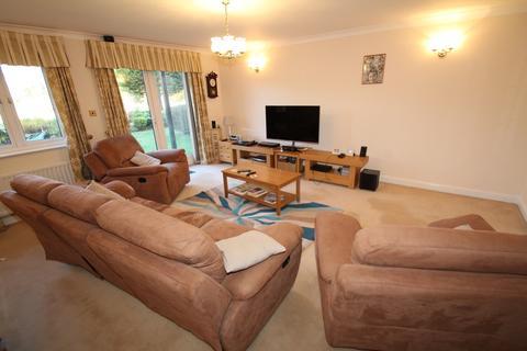 2 bedroom flat to rent - Rickmansworth Road, Northwood HA6