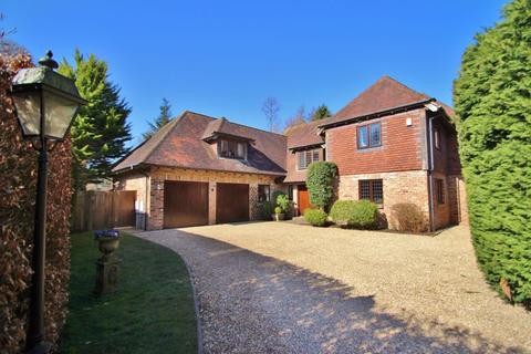 5 bedroom detached house for sale - Station Close, Rotherfield
