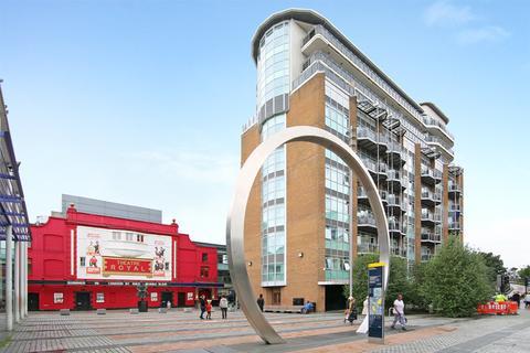 2 bedroom apartment to rent - Gerry Raffles Square, Stratford. E15