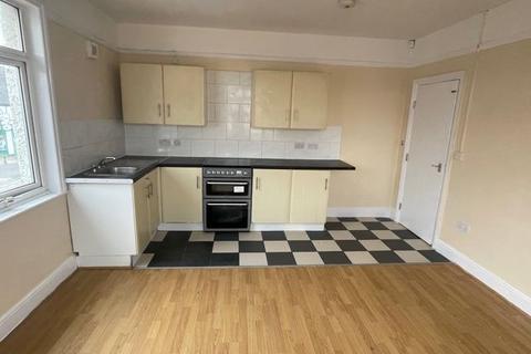 2 bedroom flat to rent - Denbigh Road