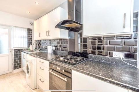 4 bedroom terraced house to rent - Lawrence Road, Liverpool