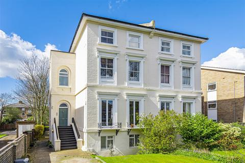 2 bedroom apartment for sale - The Avenue, Surbiton