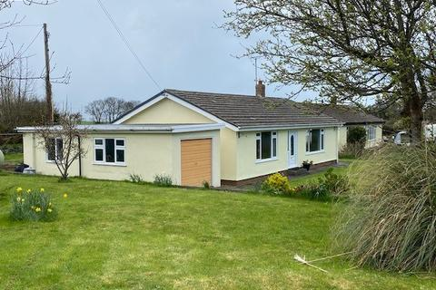 3 bedroom bungalow for sale - Llanrhystud, Ceredigion, SY23