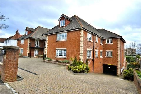 2 bedroom flat for sale - Cooden Drive, Bexhill-on-Sea, TN39