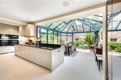 4 bedroom semi-detached house for sale - Hilary Close, Fulham Road, London, SW6