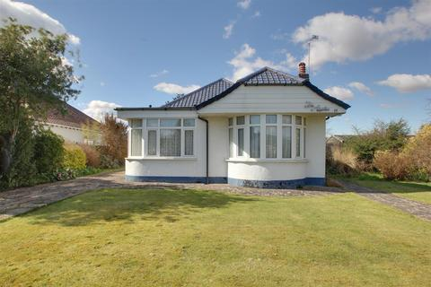 3 bedroom bungalow for sale - Compton Avenue, Worthing