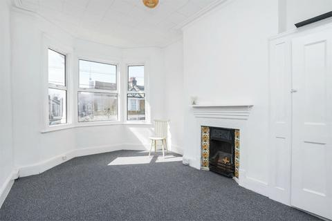 3 bedroom semi-detached house to rent - Wells House Road, LONDON, NW10