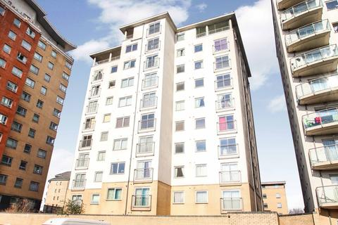 2 bedroom flat for sale - Centreway Apartments, Thames View, Axon place, ILFORD, IG1