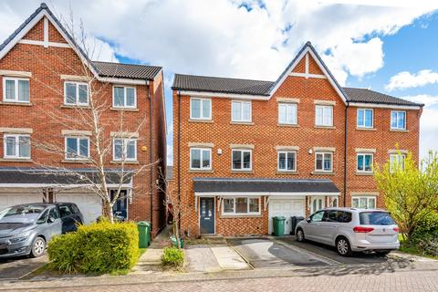 4 bedroom townhouse for sale - Prospect Court, Morley, LS27