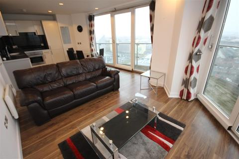 2 bedroom apartment to rent - The Heart, Blue Media City UK M50