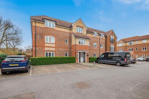 2 bedroom flat for sale - Crawley Road, Horsham, RH12