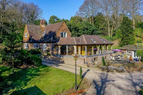 4 bedroom detached house for sale - Feathercombe Lane, Hambledon, Godalming
