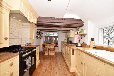 5 bedroom detached house for sale - High Street, Newington, Sittingbourne, Kent