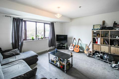 Studio to rent - Masefield Court, Leicester Road, Barnet, EN5
