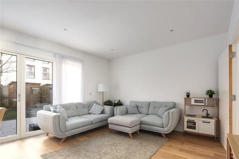 3 bedroom flat for sale - Decapod Street, Stratford, London, E15