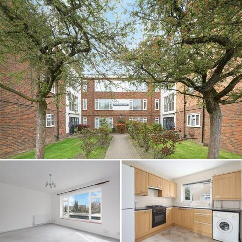 2 bedroom flat to rent - Highstone Court, New Wanstead, London, E11