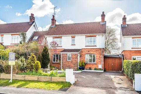 3 bedroom detached house for sale - Barlows Lane, Andover