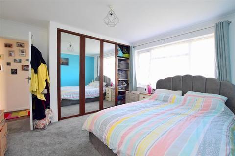 2 bedroom ground floor flat for sale - Cedar Avenue, Worthing, West Sussex
