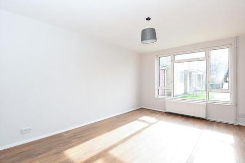2 bedroom end of terrace house for sale - Hastoe Park,  Aylesbury,  HP20