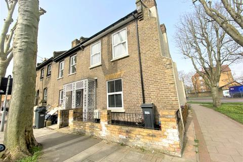 3 bedroom end of terrace house for sale - Sutherland Road, Chiswick, W4 2QR