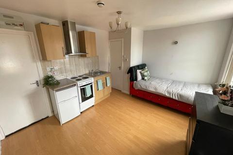 1 bedroom property to rent - 358 Dewsbury Road, LEEDS LS11