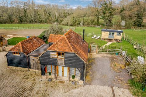 2 bedroom barn conversion for sale - New Road, Wormley, Godalming