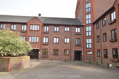 3 bedroom flat for sale - Crown Mews, Gosport