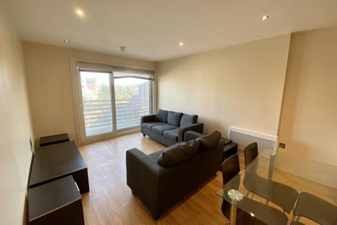 3 bedroom apartment to rent - Rusholme Place, Manchester, M14 5TG