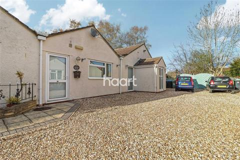 2 bedroom bungalow to rent - Station Road, Minety
