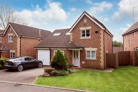 5 bedroom detached house for sale - Degas Close, Salford