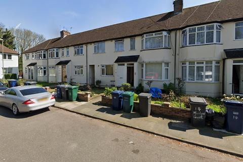 2 bedroom flat to rent - Marlow Court, Colindale