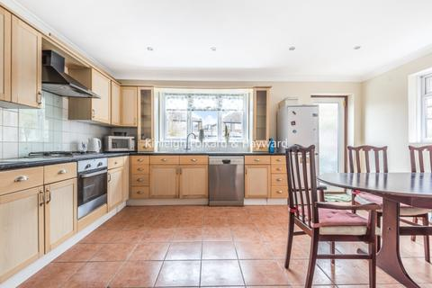 4 bedroom house to rent - Broadwater Road London SW17