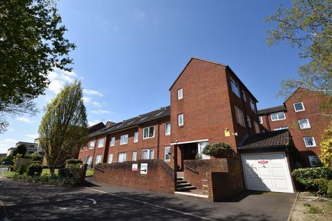 1 bedroom flat for sale - Hulbert Road, Waterlooville, Hampshire, PO7 7JY