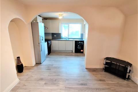 3 bedroom end of terrace house to rent - Rugby Road, DAGENHAM, RM9