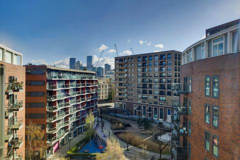 2 bedroom flat for sale - Surrey Quays Road, London SE16