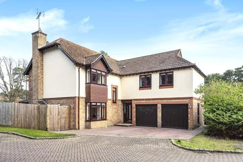 5 bedroom detached house for sale - Camberley, GU15