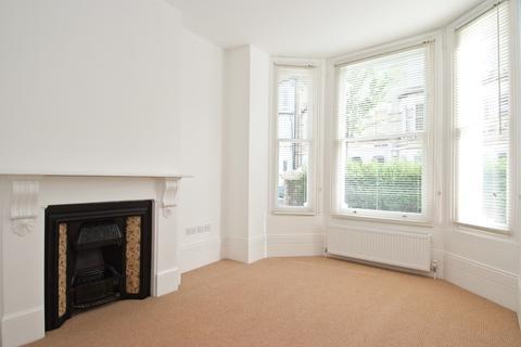 1 bedroom flat to rent - Sangora Road, Battersea, London SW11