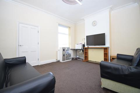 3 bedroom terraced house for sale - Wood Hill, Spinney Hill, Leicester