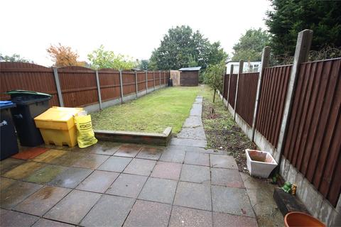 3 bedroom terraced house to rent - Roedean Avenue, Enfield, Middlesex, EN3
