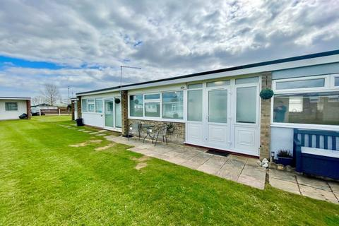 2 bedroom chalet for sale - California Road, California, Great Yarmouth