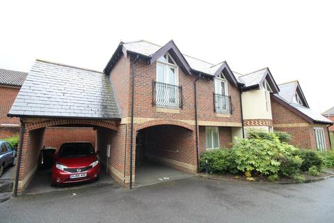 2 bedroom flat to rent - Poole Road, Upton