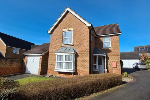 3 bedroom detached house for sale - Robin Ride, Brackley