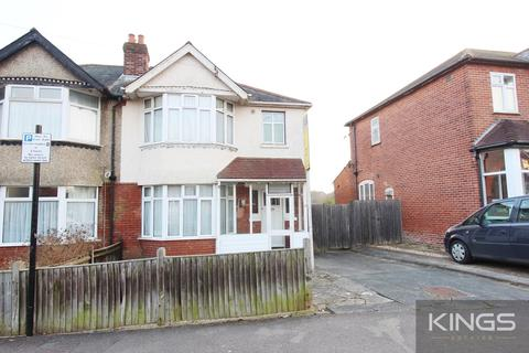 4 bedroom semi-detached house to rent - Kitchener Road , Southampton