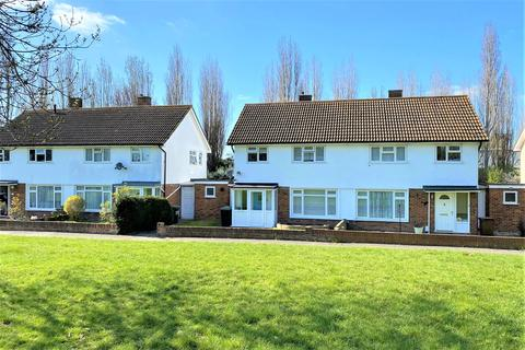 3 bedroom semi-detached house for sale - Scotts Farm Road, West Ewell