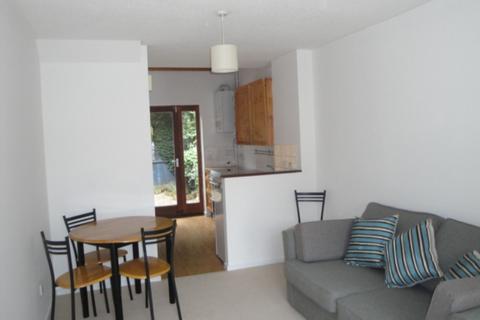 1 bedroom terraced house to rent - Pakenham Close, CB4
