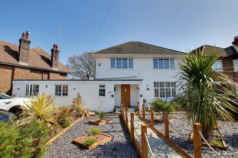 6 bedroom detached house for sale - Offington Drive, Worthing, West Sussex, BN14