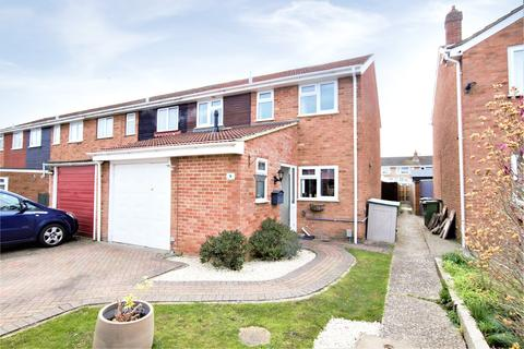 3 bedroom end of terrace house to rent - Hamble Avenue, Blackwater, Camberley, Surrey, GU17