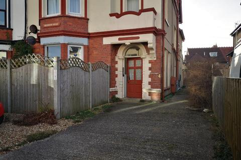 1 bedroom flat for sale - Caroline Road, Llandudno, Conwy, LL30 2TY