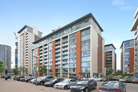 1 bedroom flat to rent - Adriatic Apartments, 20 Western Gateway, London, E16
